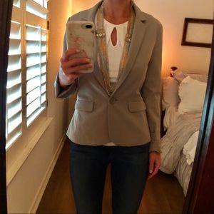 Frenchi tailored, lined light beige-gray blazer